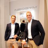 Fitnesstraining der Zukunft: Alexander Scheck und Florian Puncochar führen als Lizenznehmer das NEOGYM Flagship Studio i