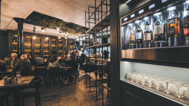 Easy Wine und Easy Beer: Innovatives Gastronomie-Franchise-System ermöglicht Gästen selbständige Wein- und Bierproben