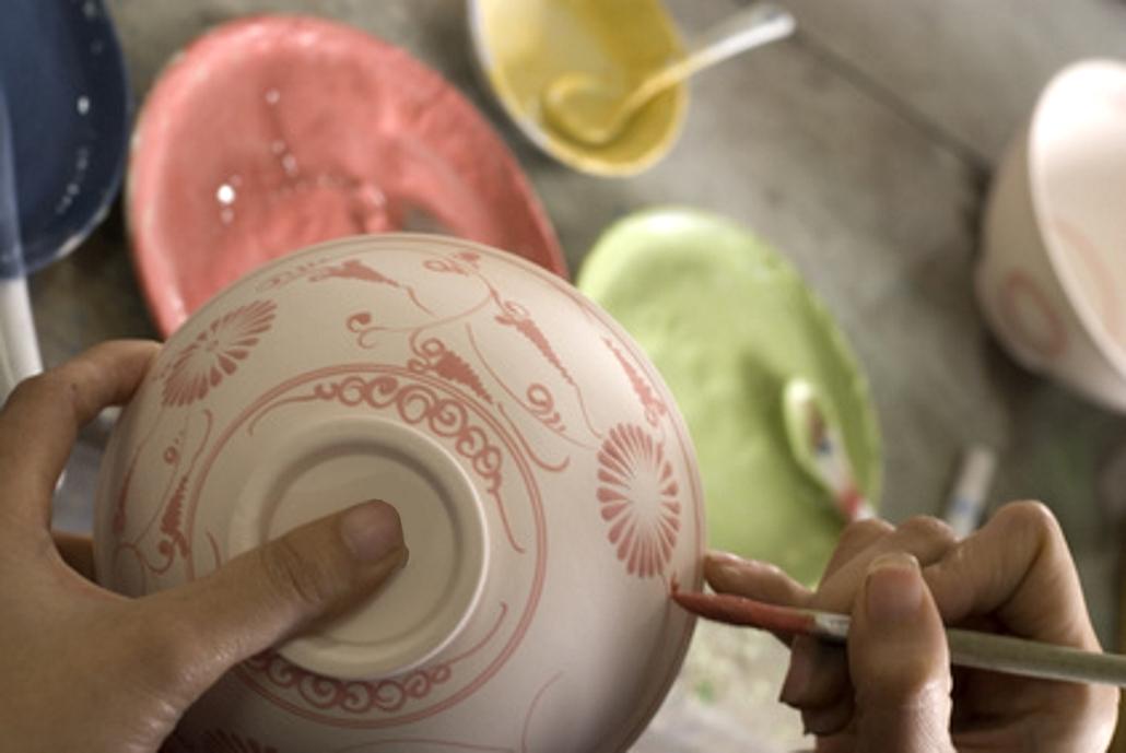 Froh Bunter Keramik Selbst Bemalen Lizenz Fur Die