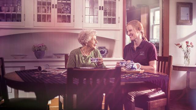 Mangel an Pflegekräften: Franchise-System Home Instead setzt auf Werbeprofis