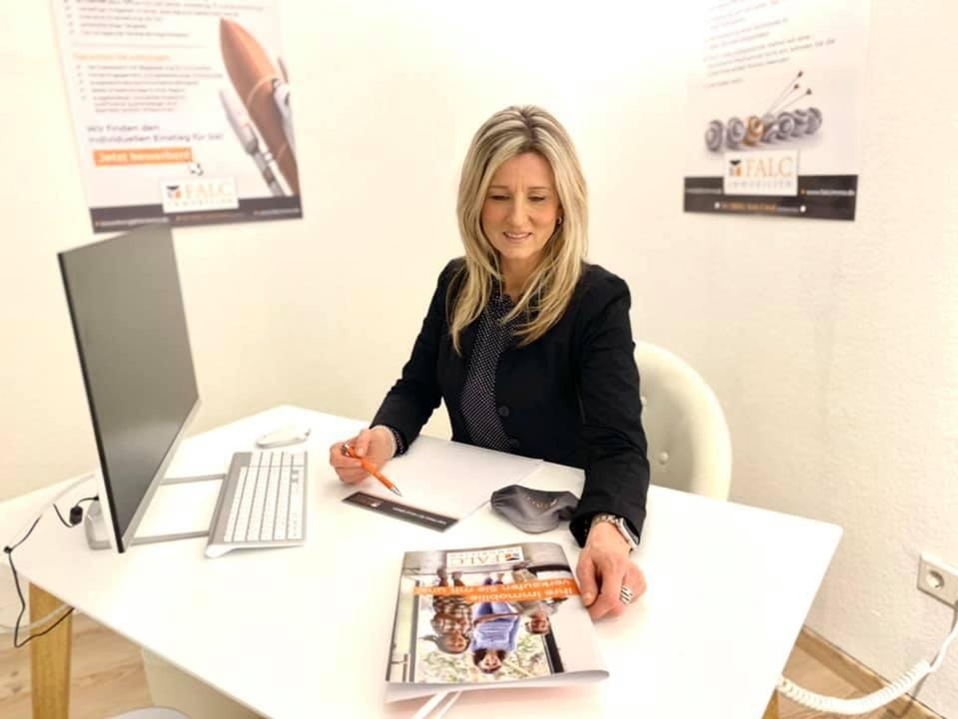 Erfolgsgeschichte Frau Mona Schnülle - Auf direktem Weg an die Spitze