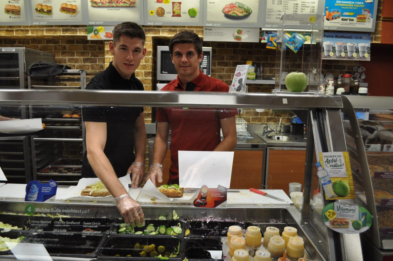 Fußballprofi Jonas Hofmann eröffnet drittes SUBWAY Restaurant