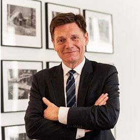Prof. Karsten Metzlaff