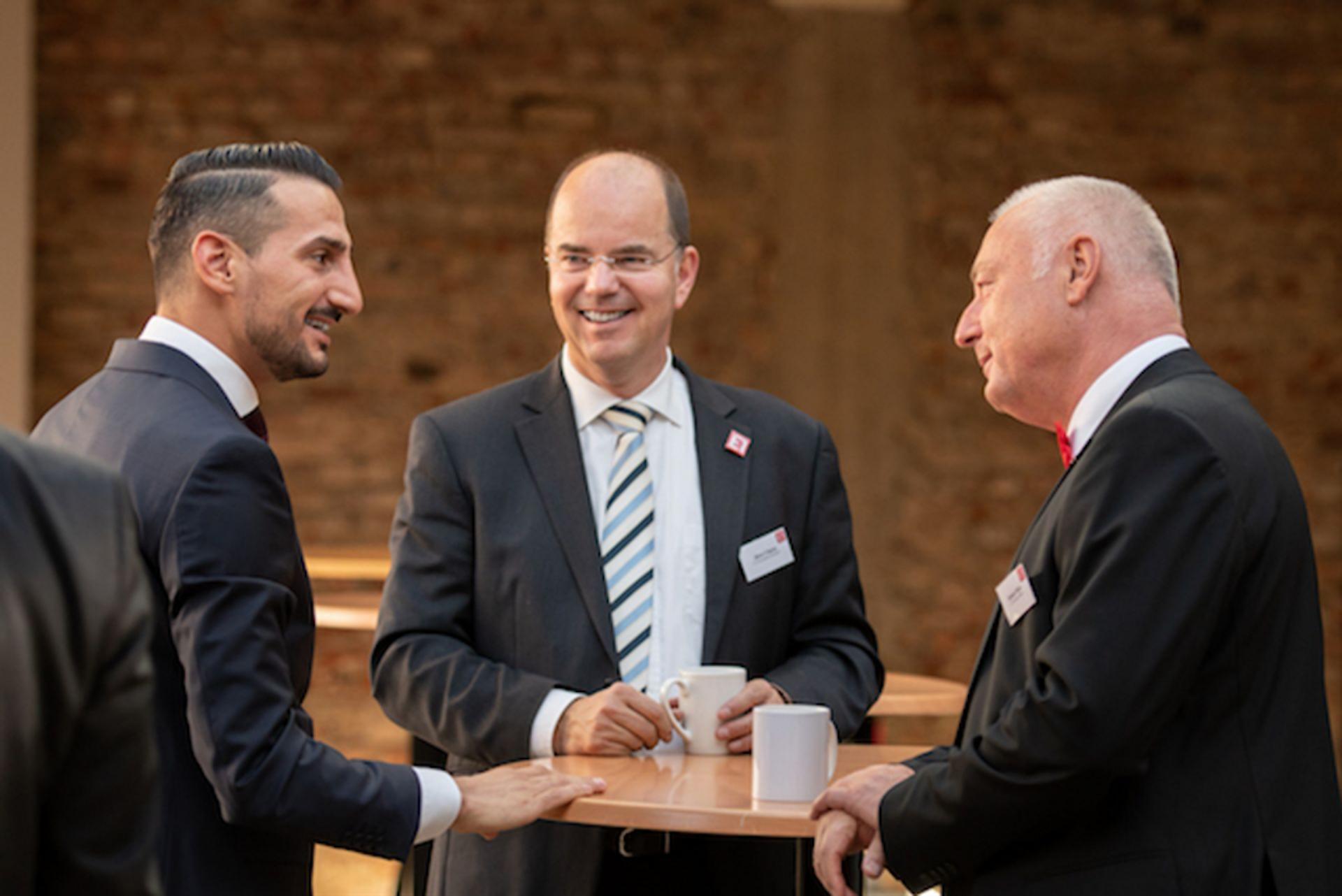 E1 Investoren-Immobilien: Für nur 349 €/mtl. Lizenz Millionen-Renditen in Sicht!