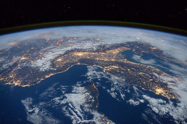 Die Welt aus einer anderen Perspektive sehen: Franchise-Investoren werden für internationale Master gesucht